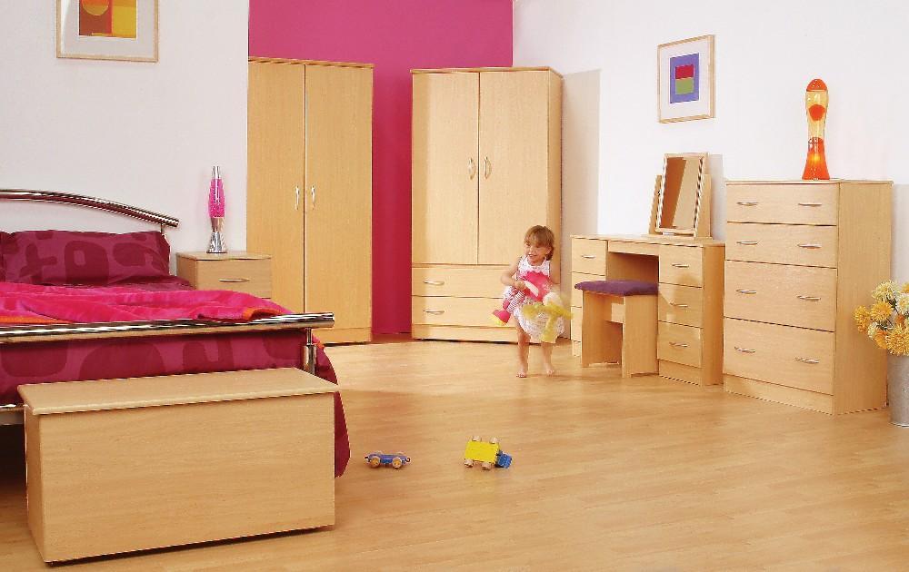 Tara Beech Roomset