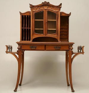 Incroyable Antique French Art Nouveau Desk