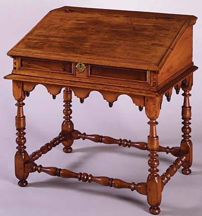 Ordinaire Nice Colonial Style Desk.